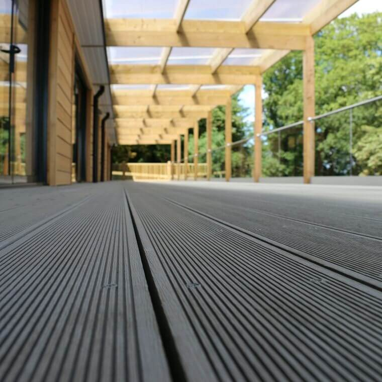 composite-decking-bois
