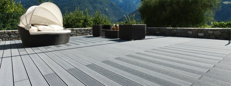 decking-gris-clair-terrasse-en-composite-p1