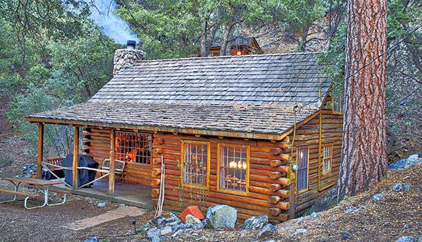 CABANE ROMANTIQUE EN RONDINS : PINE MOUNTAIN CLUB, CALIFORNIE