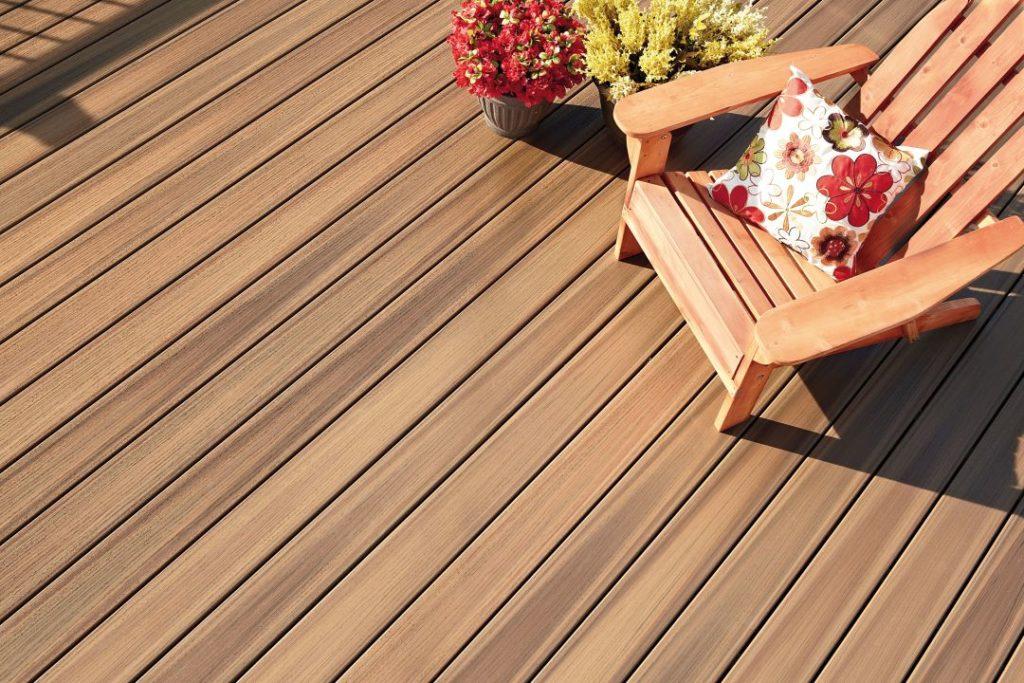 Pose d'une terrasse en bois sur plots PVC